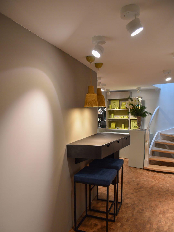 Ladenumbau Schmuckgeschäft in Zürich Raumlicht und Akzentlicht durch Pendelleuchten