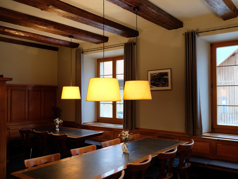 schlicht Stoffschirme, Textilkabel, gemütliche Restaurantbeleuchtung